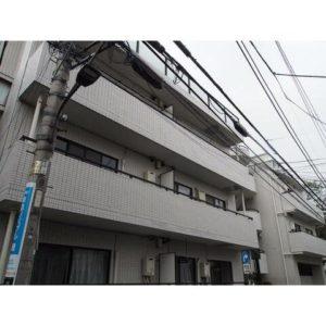 コートウィスタリア 池ノ上 徒歩2分 駅近 新宿 渋谷 などにも行きやすい街です 2LDK で 10帖 もあるリビング と 振分 された 2部屋 が プライベート空間 をしっかり守ってくれます。 和室 と 洋室 両方兼ね備えてる! 2線利用可 でとても便利です!